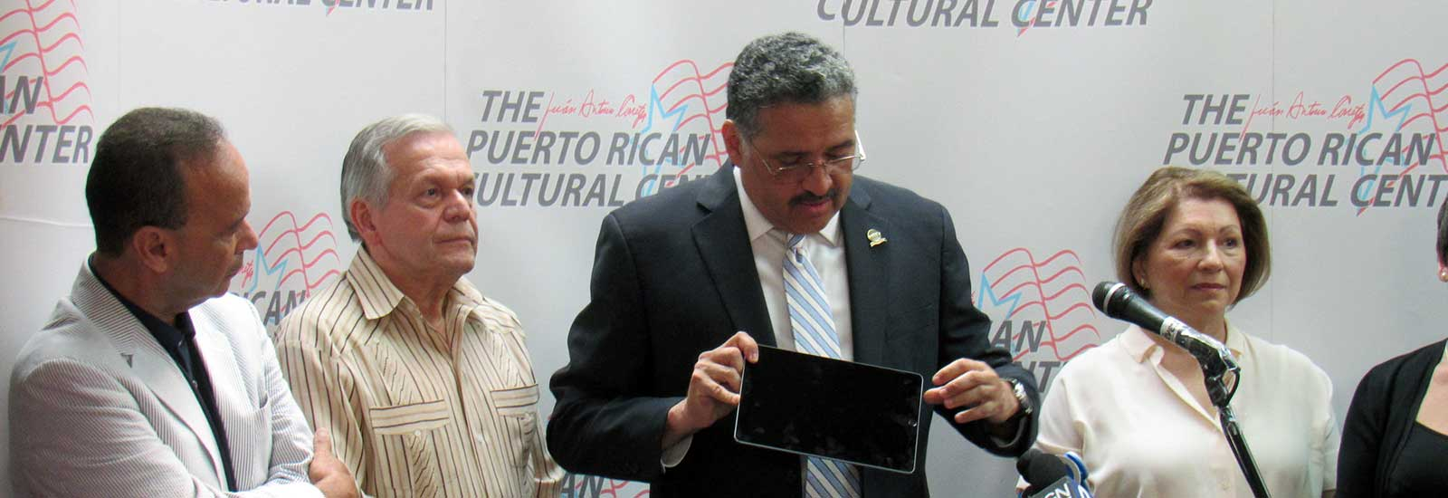 HITN Visits Chicago to Support Fiesta Boricua 2018 and Donates 100 iPads